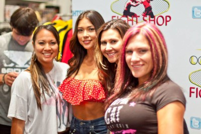 Miss Rara, Arianny, Elisabeth and Cat Zingano signing at LV Fight Shop